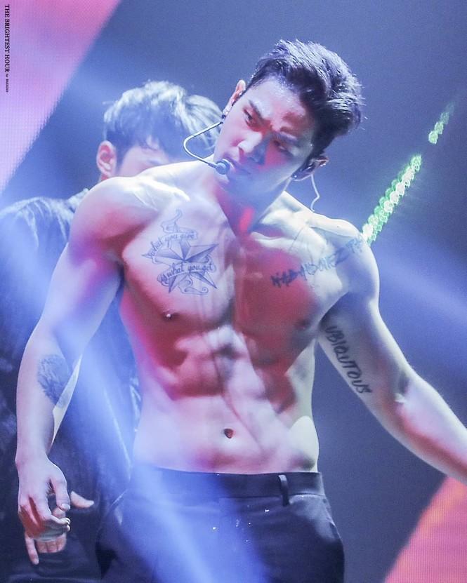Nam idol K-pop khoe cơ thể 6 múi - ảnh 8