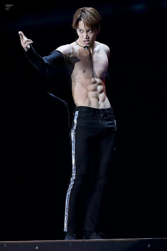 Nam idol K-pop khoe cơ thể 6 múi - ảnh 4