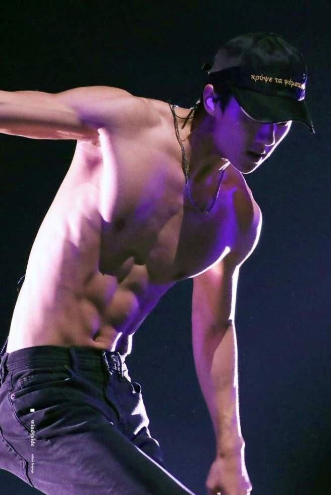 Nam idol K-pop khoe cơ thể 6 múi - ảnh 5