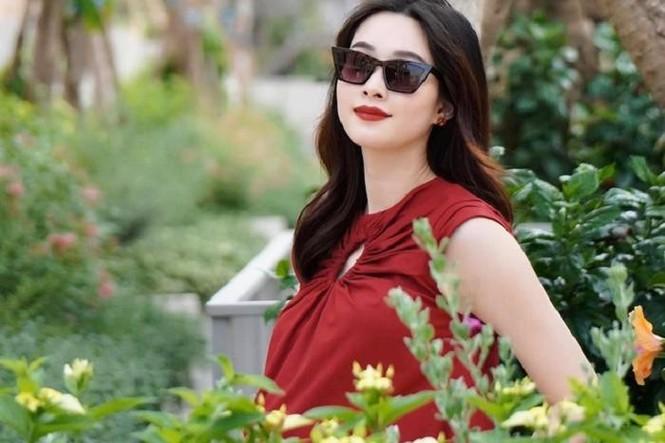 Hoa hậu Đặng Thu Thảo sinh con trai, hạnh phúc gia đình càng thêm viên mãn - ảnh 1