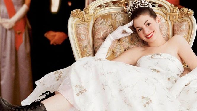 """Đóng phim nào cũng tạo xu hướng thời trang, Anne Hathaway quả đúng là """"nữ hoàng mặc đẹp"""" - ảnh 2"""