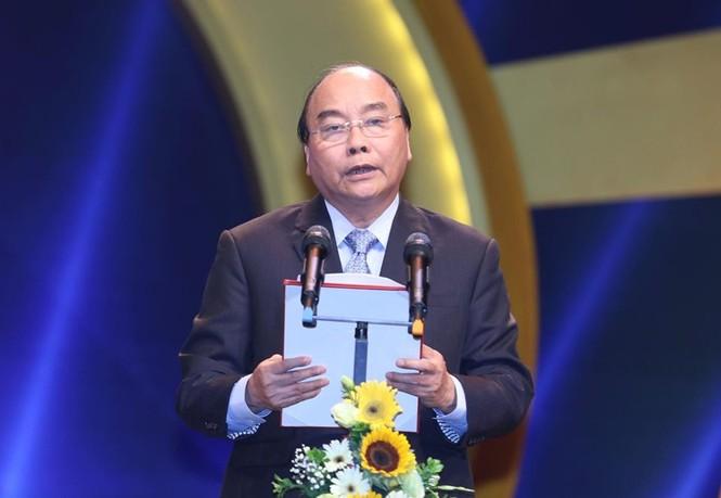 Thủ tướng Nguyễn Xuân Phúc: Ngòi bút báo chí là vũ khí phò chính, trừ tà - ảnh 1