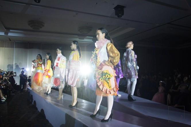 Đêm thời trang 'mộng liên thời' của học sinh trường Ams - ảnh 1