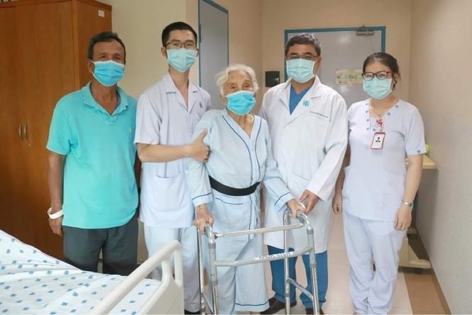 Cụ bà 105 tuổi hồi phục thần kỳ sau 3 ca đại phẫu - ảnh 2