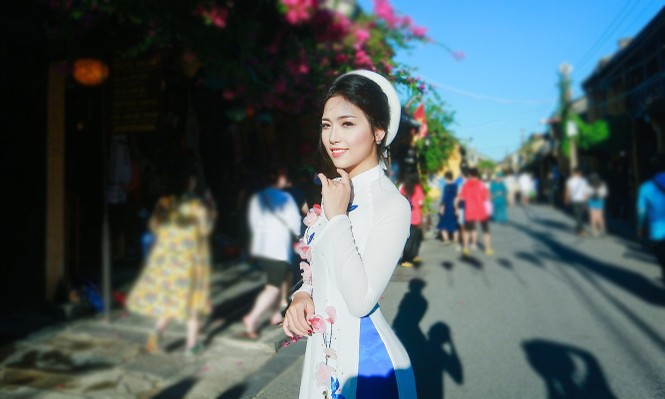 Thí sinh chung kết iMiss Thăng Long thả dáng trên phố Hội - ảnh 7