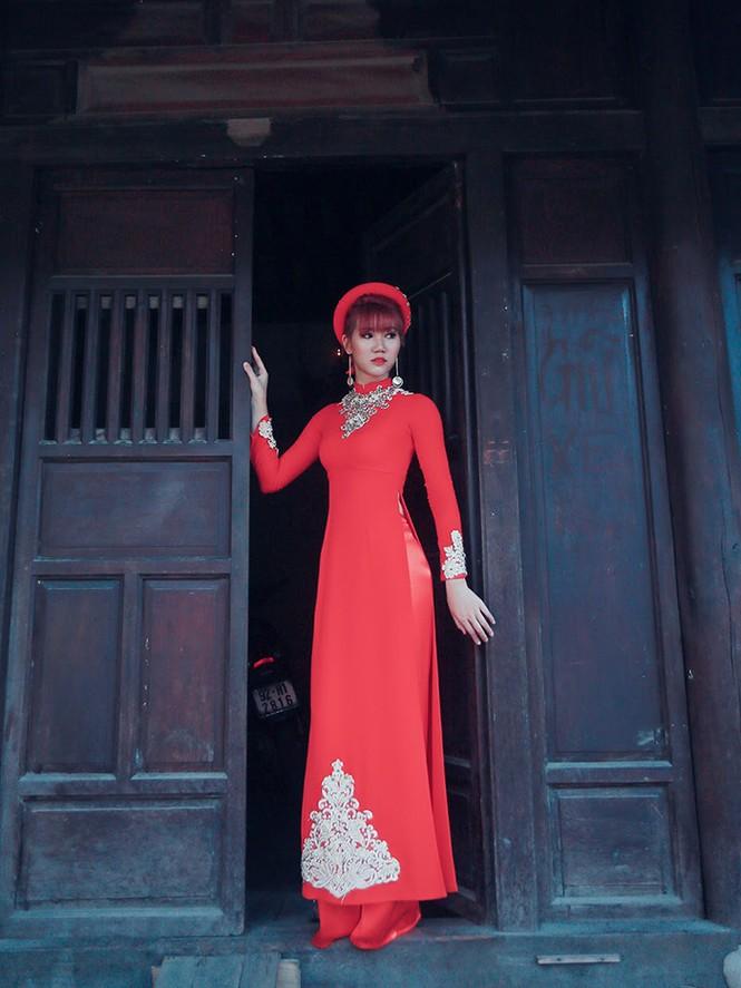 Thí sinh chung kết iMiss Thăng Long thả dáng trên phố Hội - ảnh 1
