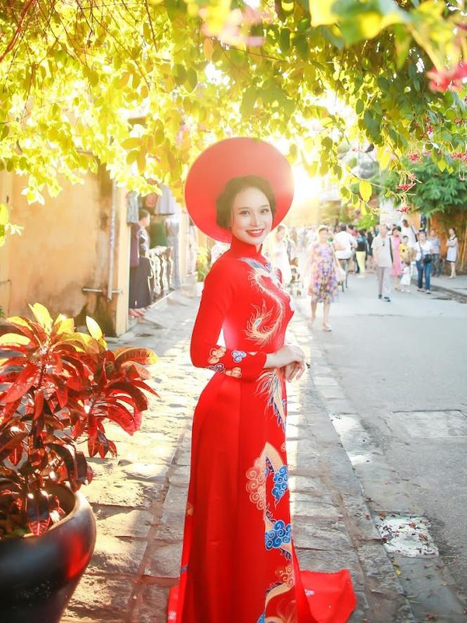 Thí sinh chung kết iMiss Thăng Long thả dáng trên phố Hội - ảnh 10
