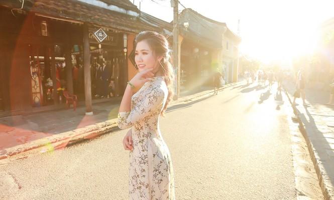 Thí sinh chung kết iMiss Thăng Long thả dáng trên phố Hội - ảnh 14