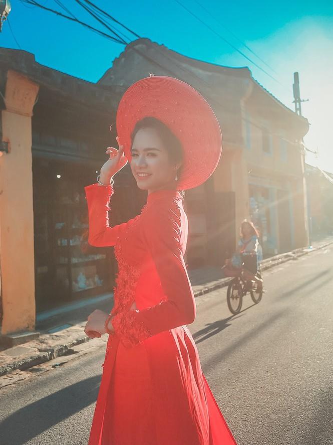Thí sinh chung kết iMiss Thăng Long thả dáng trên phố Hội - ảnh 2