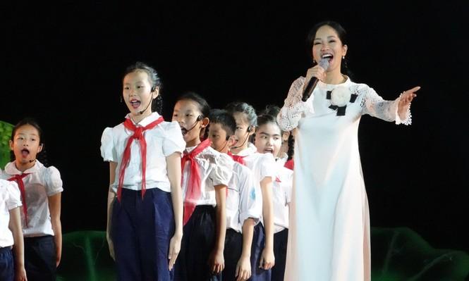 Học tập và làm theo lời Bác, thanh niên Việt Nam tiến bước - ảnh 8