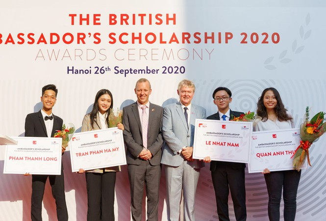Sinh viên Việt Nam có cơ hội được tiếp cận quỹ học bổng 53 tỷ đồng từ Anh Quốc - ảnh 1