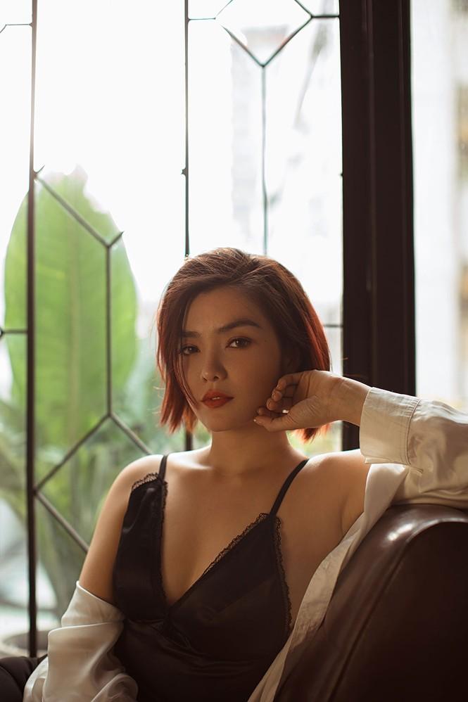 Hồng Kim Hạnh 'lột xác' với phong cách gợi cảm táo bạo - ảnh 8