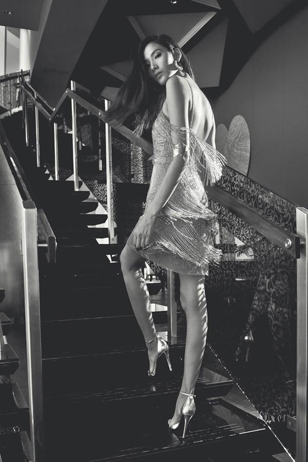 Hoàng Thùy kiêu sa với các thiết kế mới của Kate Moss - ảnh 4