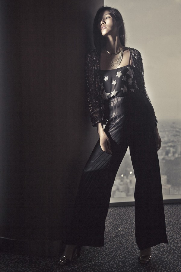 Hoàng Thùy kiêu sa với các thiết kế mới của Kate Moss - ảnh 5