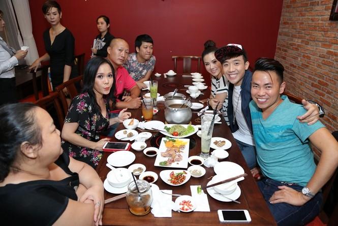 Trấn Thành, Việt Hương 'đại náo' nhà hàng của hoa hậu Thu Hoài - ảnh 4