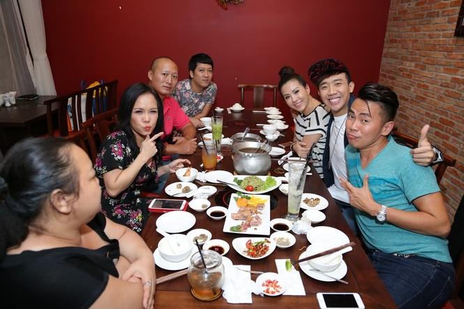 Trấn Thành, Việt Hương 'đại náo' nhà hàng của hoa hậu Thu Hoài - ảnh 5