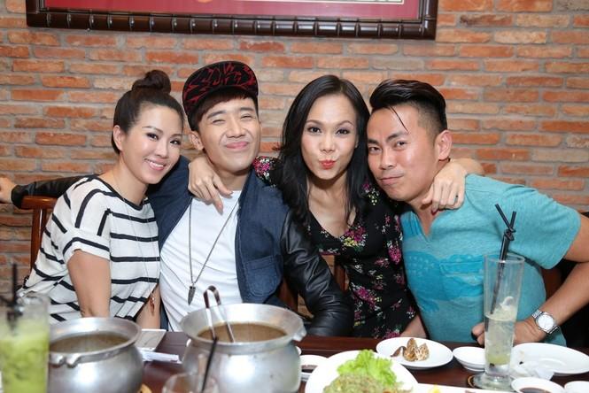 Trấn Thành, Việt Hương 'đại náo' nhà hàng của hoa hậu Thu Hoài - ảnh 2