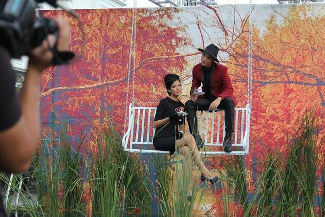 Thí sinh Next Top Model rơi xuống hồ nước khi chụp ảnh - ảnh 2