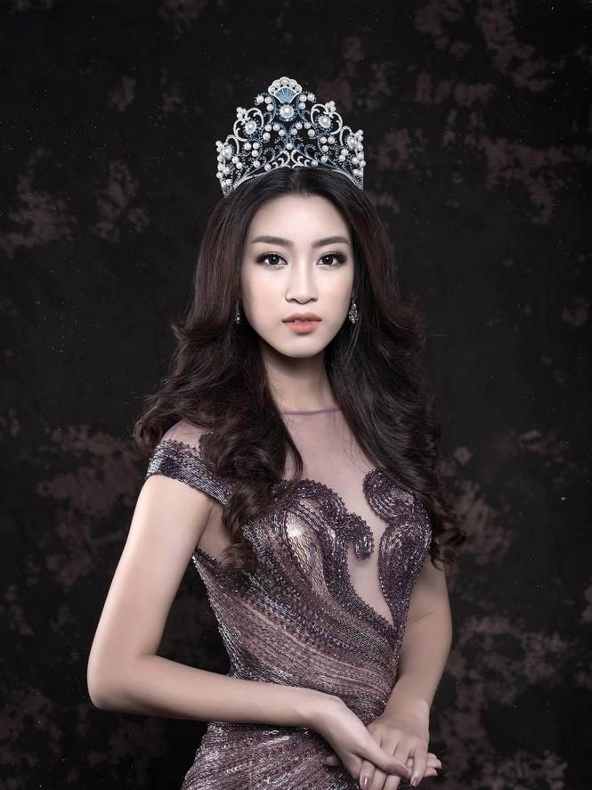 Hoa hậu Mỹ Linh lộng lẫy đầy quyến rũ với váy đuôi cá - ảnh 7