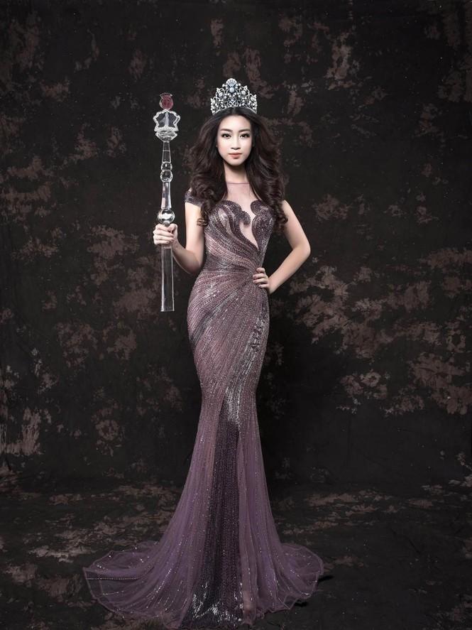Hoa hậu Mỹ Linh lộng lẫy đầy quyến rũ với váy đuôi cá - ảnh 9