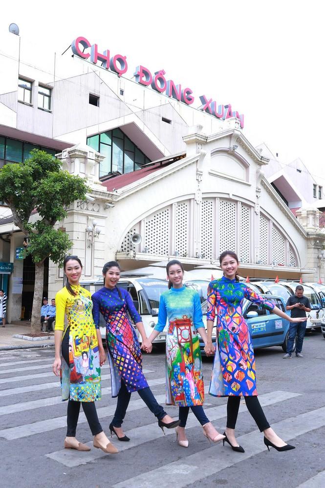 Ngọc Hân, Mỹ Linh, Thanh Tú mặc áo dài nhảy flashmob ở Hồ Gươm - ảnh 11