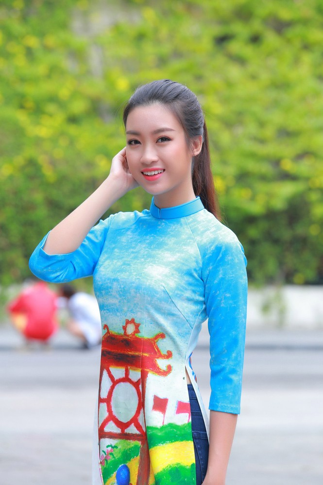 Ngọc Hân, Mỹ Linh, Thanh Tú mặc áo dài nhảy flashmob ở Hồ Gươm - ảnh 4
