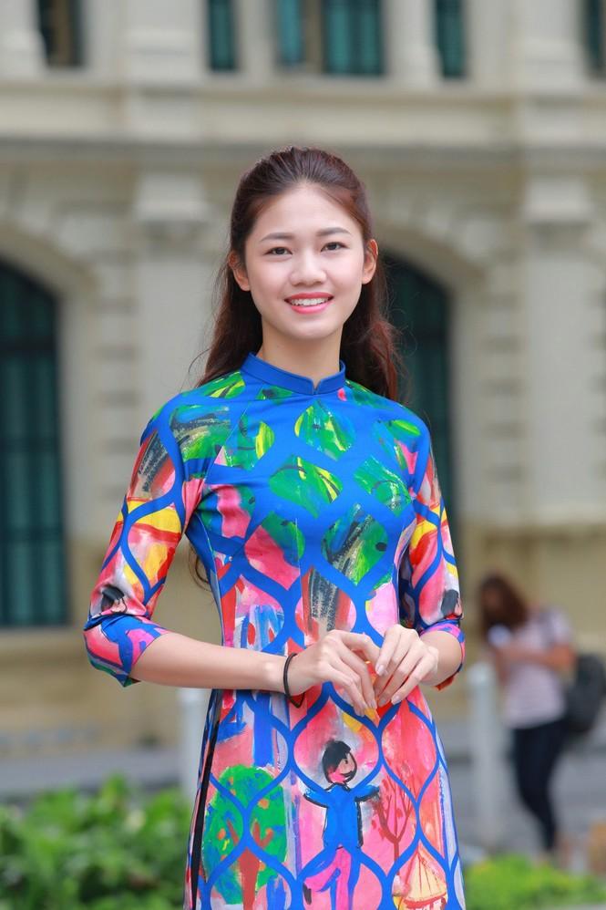 Ngọc Hân, Mỹ Linh, Thanh Tú mặc áo dài nhảy flashmob ở Hồ Gươm - ảnh 5