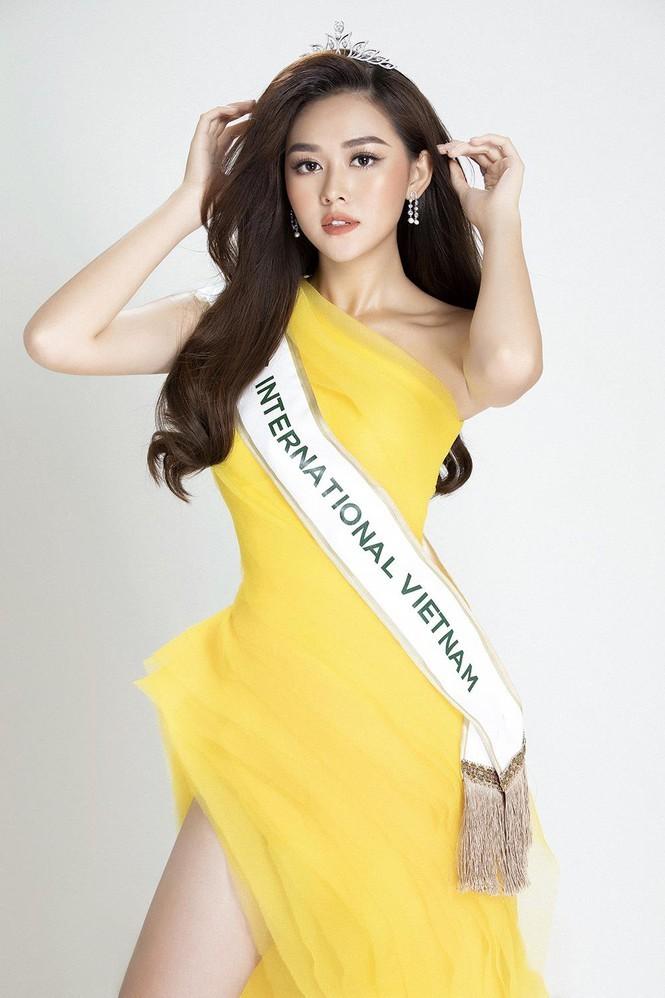 Vừa ra mắt, Á hậu Tường San đã được dự đoán lọt top 12 Hoa hậu Quốc tế 2019 - ảnh 2