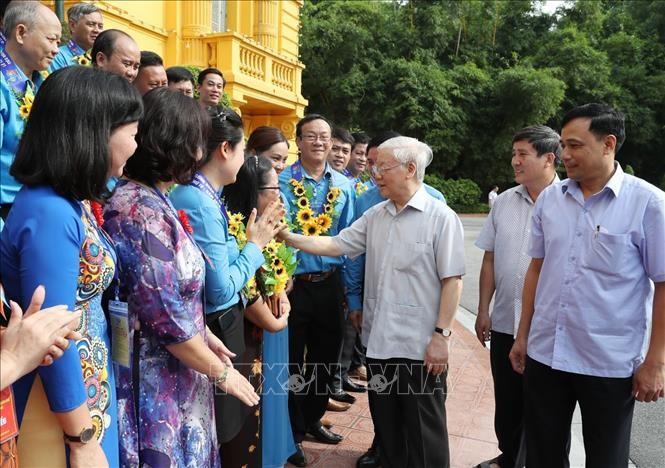Tổng Bí thư, Chủ tịch nước gặp mặt Đoàn đại biểu Chủ tịch công đoàn cơ sở tiêu biểu - ảnh 3