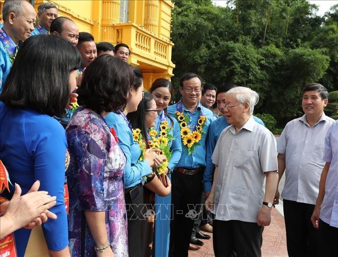 Tổng Bí thư, Chủ tịch nước gặp mặt Đoàn đại biểu Chủ tịch công đoàn cơ sở tiêu biểu - ảnh 4