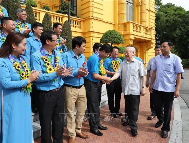 Tổng Bí thư, Chủ tịch nước gặp mặt Đoàn đại biểu Chủ tịch công đoàn cơ sở tiêu biểu - ảnh 5