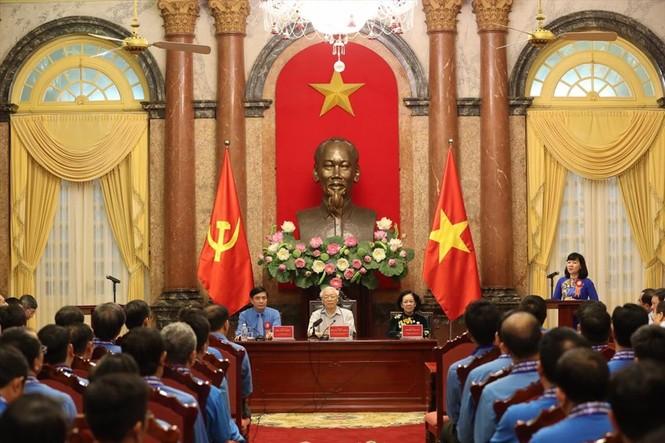 Tổng Bí thư, Chủ tịch nước gặp mặt Đoàn đại biểu Chủ tịch công đoàn cơ sở tiêu biểu - ảnh 6