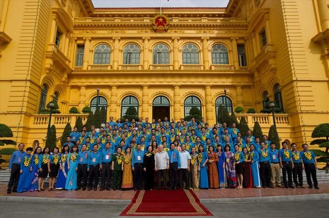 Tổng Bí thư, Chủ tịch nước gặp mặt Đoàn đại biểu Chủ tịch công đoàn cơ sở tiêu biểu - ảnh 7