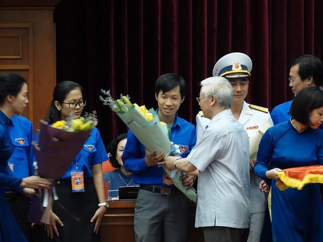 Tổng Bí thư, Chủ tịch nước gặp mặt đảng viên trẻ tiêu biểu toàn quốc - ảnh 8