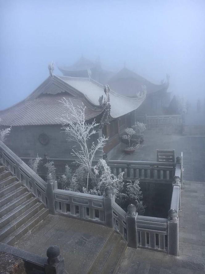 Băng tuyết bao phủ trên đỉnh Fansipan - ảnh 7