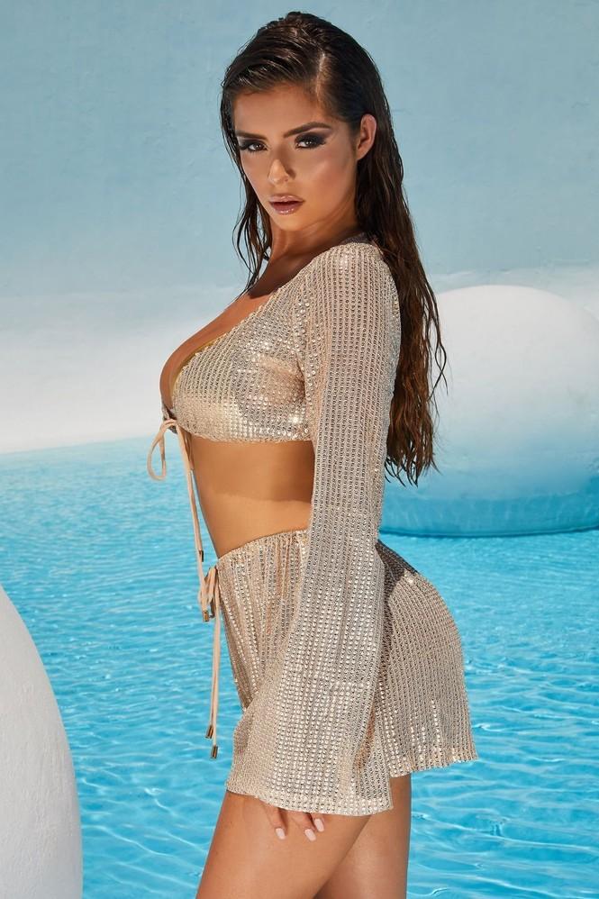 Ba vòng 'bỏng rẫy' của 'Kim Kardashian nước Anh' khiến quý ông phải thổn thức - ảnh 14