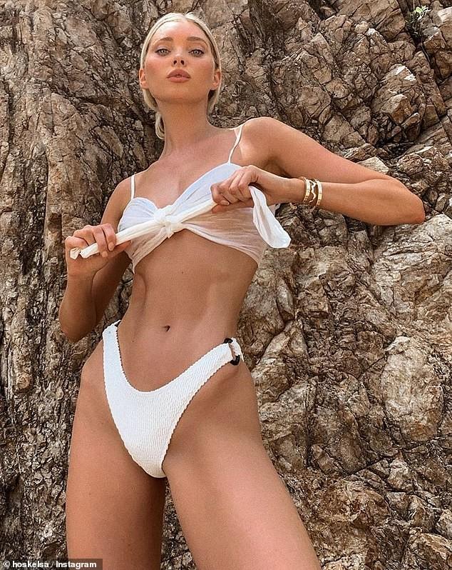 'Búp bê' Elsa Hosk khoe body tuyệt mỹ với áo tắm - ảnh 2