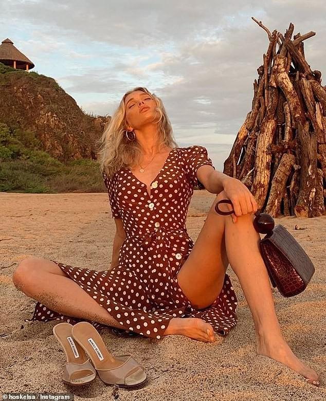 'Búp bê' Elsa Hosk khoe body tuyệt mỹ với áo tắm - ảnh 3