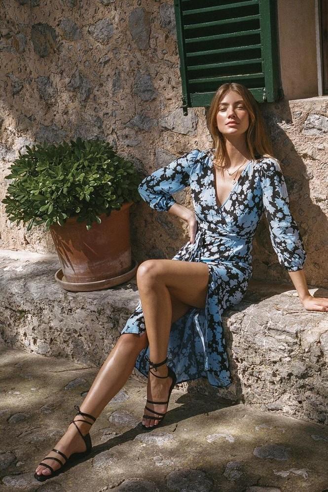 Vóc dáng tuyệt mỹ của chân dài 9x Lorena Rae cao 1m80 - ảnh 5