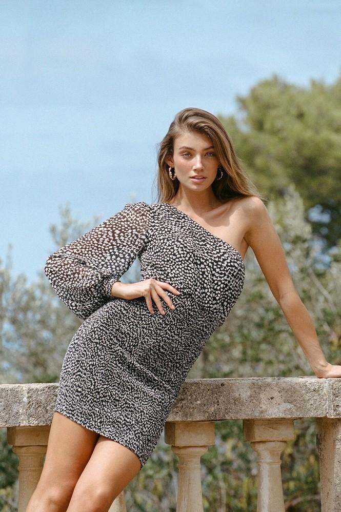 Vóc dáng tuyệt mỹ của chân dài 9x Lorena Rae cao 1m80 - ảnh 9