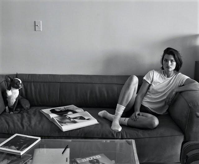 Nàng mẫu 9x chụp khoả thân 'bỏng rẫy' dưới ống kính của chồng khi ở nhà tránh dịch - ảnh 2