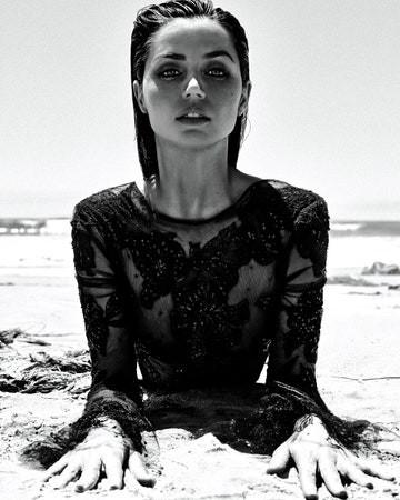 'Bond Girl' người Cuba đẹp hút hồn trên Vogue Mexico - ảnh 3