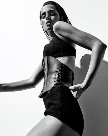 'Bond Girl' người Cuba đẹp hút hồn trên Vogue Mexico - ảnh 6