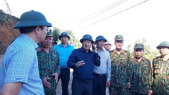 Vụ sạt lở 43 người mất tích ở Quảng Nam: Tìm được hàng chục người còn sống - ảnh 16