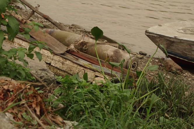 Phát hiện quả bom nặng hơn 100kg dưới lòng sông tại Hải Phòng - ảnh 1