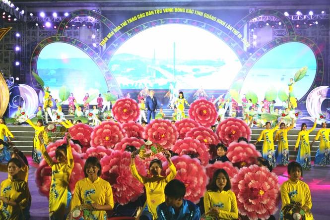 Rực rỡ sắc màu các dân tộc vùng Đông Bắc tỉnh Quảng Ninh - ảnh 5