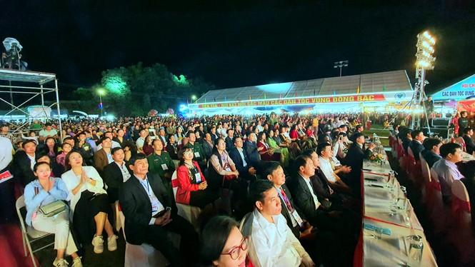 Rực rỡ sắc màu các dân tộc vùng Đông Bắc tỉnh Quảng Ninh - ảnh 7