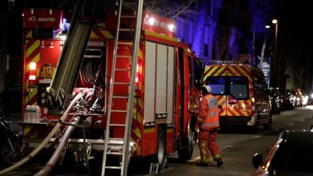 Hỏa hoạn kinh hoàng tại Paris, hàng chục người thương vong - ảnh 2