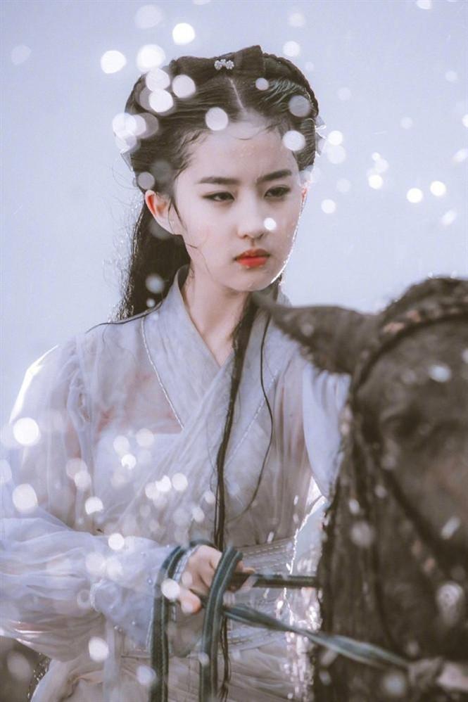 Sự thật về cảnh quay nhạy cảm bị cắt của Lưu Diệc Phi trong 'Thần Điêu Đại Hiệp' - ảnh 2