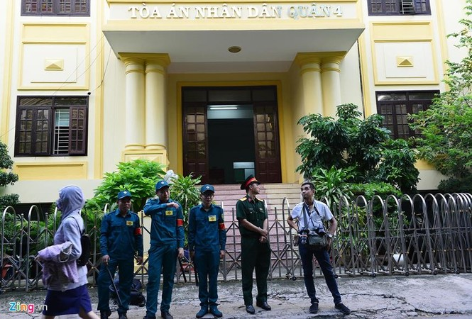 Cận cảnh phiên xử cựu viện phó Nguyễn Hữu Linh - ảnh 6
